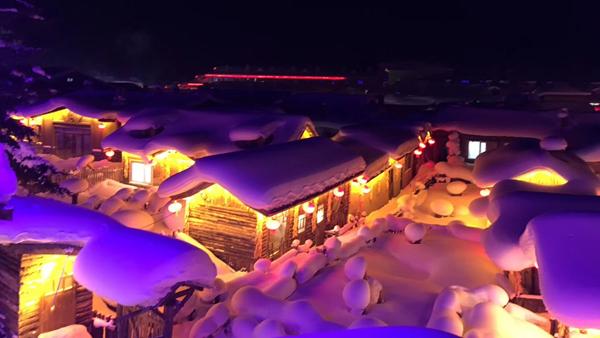 【12月】H2-2线 哈尔滨 冰雪大世界或冰灯展 亚布力滑雪 童话世界雪乡 冰雪画廊 梦幻家园(雪蘑菇处)威虎寨 中国雪谷童话乐园 林海  雪原穿越 雪地温泉双飞5天高端团