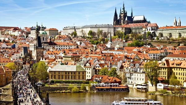 【4-6月】东欧 德国 捷克 奥地利 匈牙利 斯洛伐克 金色大厅音乐会 布拉格城堡  哈尔施塔特 CK小镇 多瑙游船10天 一价全含(汉莎航空 香港往返)