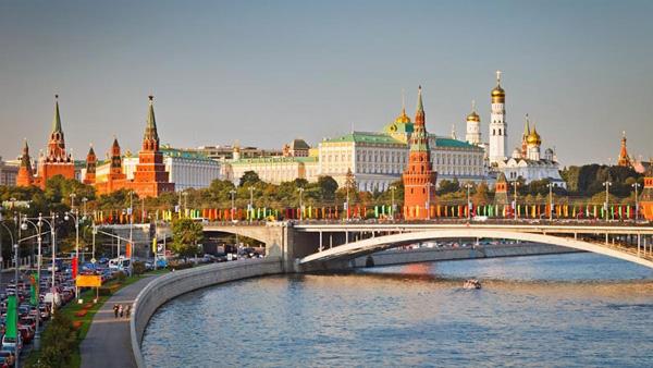 【6-10月含暑假】深圳直飞莫斯科+圣彼得堡俄罗斯8天三飞不走回头路