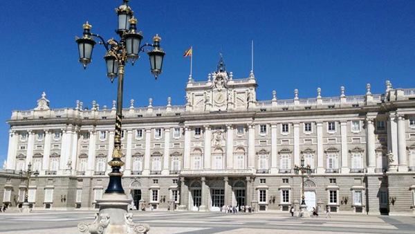 【7-10月】南欧伊比双国 西班牙 葡萄牙 马德里皇宫 海鲜饭 皇家马德里御用ZEN餐厅 科尔多瓦12日游( HU  深圳往返)