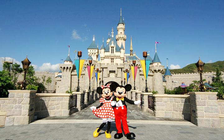 香港純玩2日觀迪線 | 船游維港+太平山頂+金紫荊廣場+迪士尼樂園整天